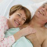 Quiz: Erotik im Alter – Liebe altert niemals