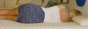 Matratze etwas zu hart, Becken und Schulter erhalten zu viel Druck