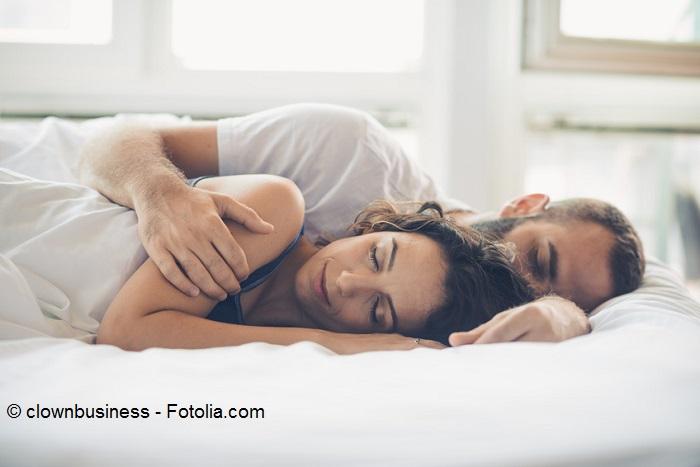 """Zu zweit auf einer großen Matratze """"ritzenfrei"""" schlafen"""