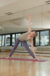 Yoga Dreieck Frau Übung