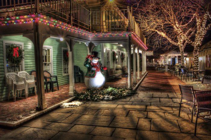 Weihnachtsdeko Haus Schneemann 321034_1280