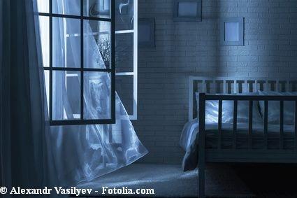 Offenes fenster im winter  Schlafprobleme