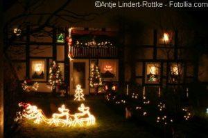 abendliche Weihnachtsdekoration