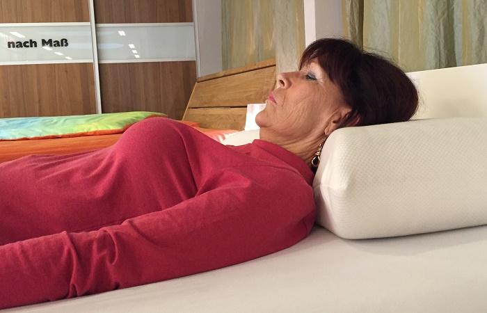 das richtige kopfkissen f r einen gesunden schlaf. Black Bedroom Furniture Sets. Home Design Ideas