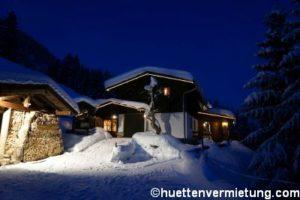 Berghütte Fluh abends