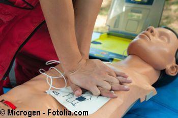 Erste-Hilfe, Sekundentod, Fotolia 104016924