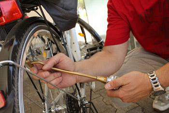 Gutes Werkzeug ist wichtig bei einer Reifenpanne unterwegs