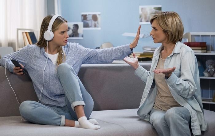 Tochter hat Streit mit der Mutter