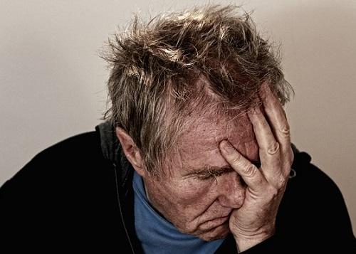 Mann in depressiver Stimmung