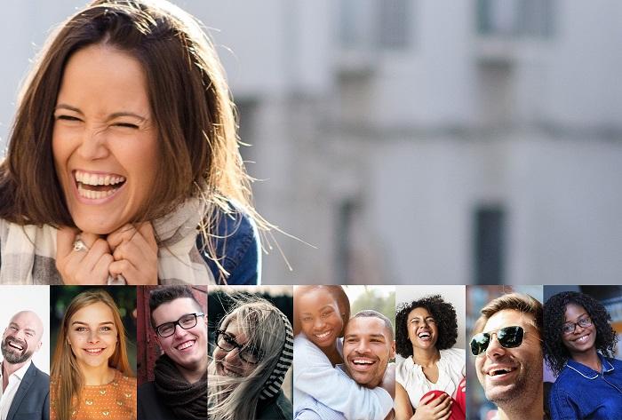 Lachende Frau und weitere lachende Personen