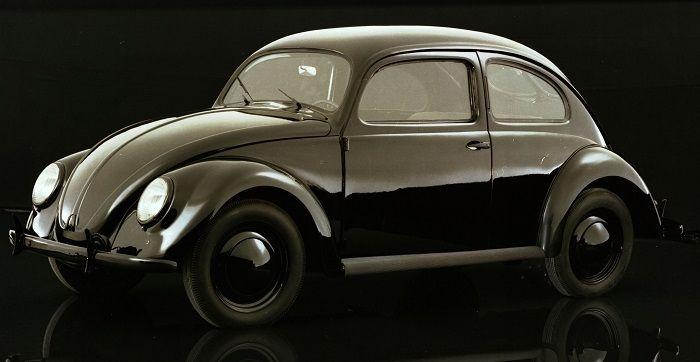 Studiofoto eines VW Käfer Prototypen in Schwarz von 1938