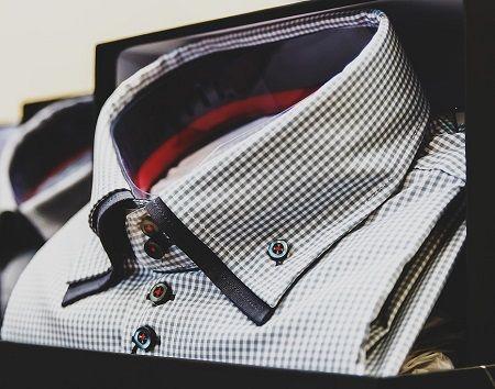 Hemd mit typischem Button-Down Kragen