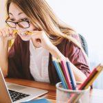 Bildschirmarbeit – Arbeitsplatz optimieren und entspannter arbeiten