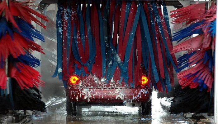 So reinigen Sie das Auto effizient