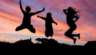 Wie wirkt sich Trampolin springen auf die körperliche Fitness aus?