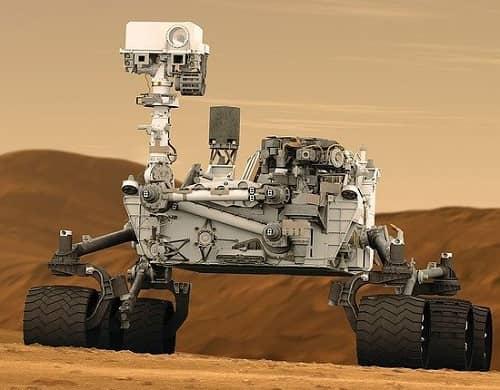 Ein futuristisches Mondfahrzeug, ein Roboter auf Rädern Roboter
