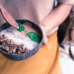 Superfoods: Gesündere Haut durch Kurkuma, Algen & Co.?