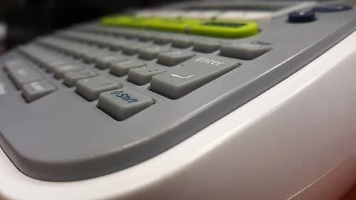 Ein Etiketten-Drucker ist zu sehen